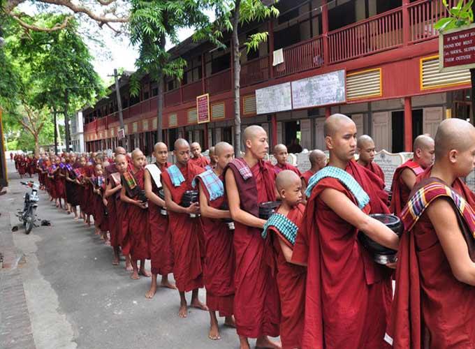 缅甸和尚化缘