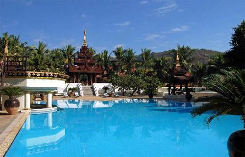 曼德勒山度假酒店泳池