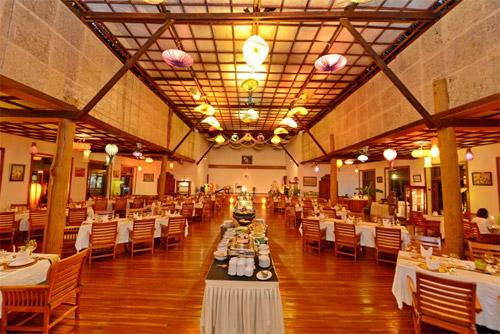 茵莱湖珍宝度假村餐厅