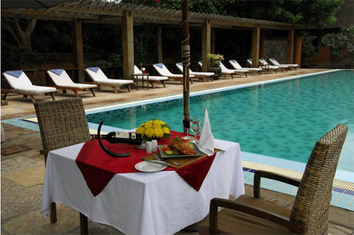 缅甸珍宝度假村泳池