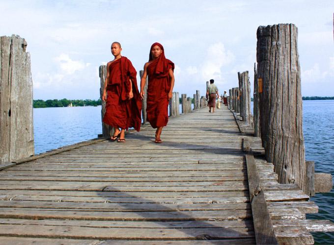 乌本桥与僧侣